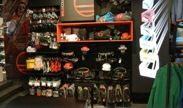 Arco negozi di arrampicata for Orari negozi trento
